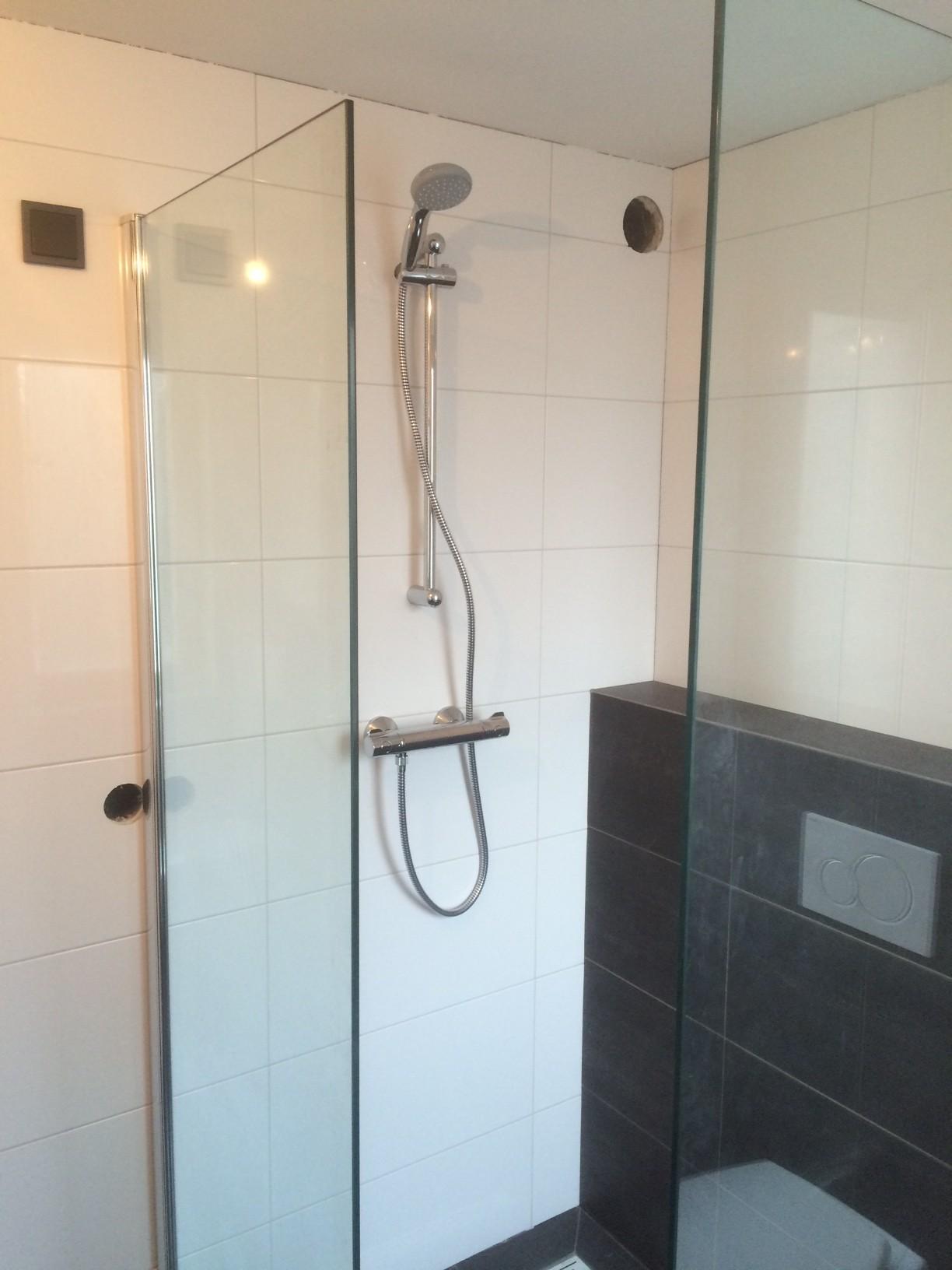 Montage badkamer douche - Van Melick Kluswerk